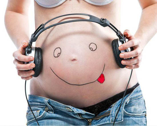 1324191791_Happy_pregnant_belly_D_gag
