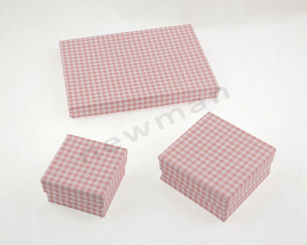 013. Ροζ-λευκό καρό