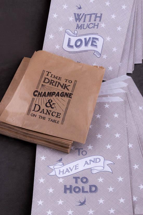 Χάρτινα σακουλάκια δώρων!