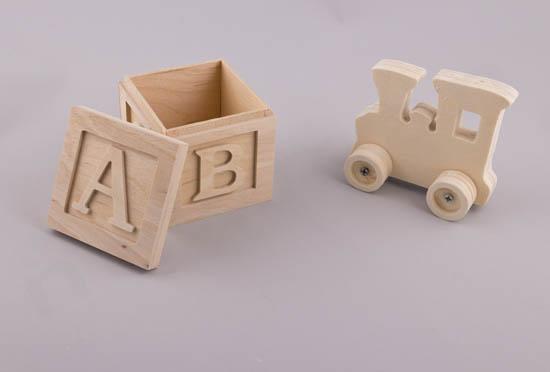Ξύλινο κουτί & τρενάκι