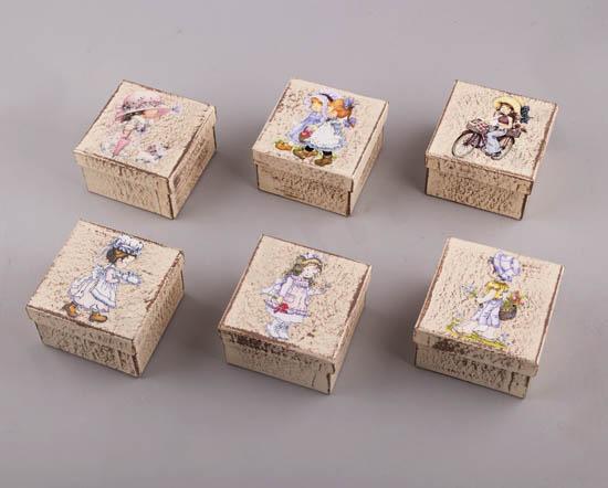 232061 ~ Χειροποίητα κουτιά με vintage σχέδια κοριτσάκια