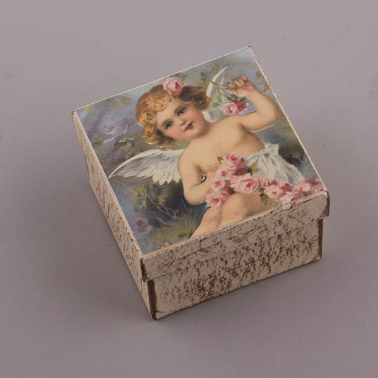 Τετράγωνο χειροποίητο κουτί με σχέδιο Αγγελάκι