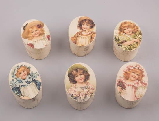 232063 ~ Οβάλ κουτάκια χάρτινα με vintage Κοπέλες