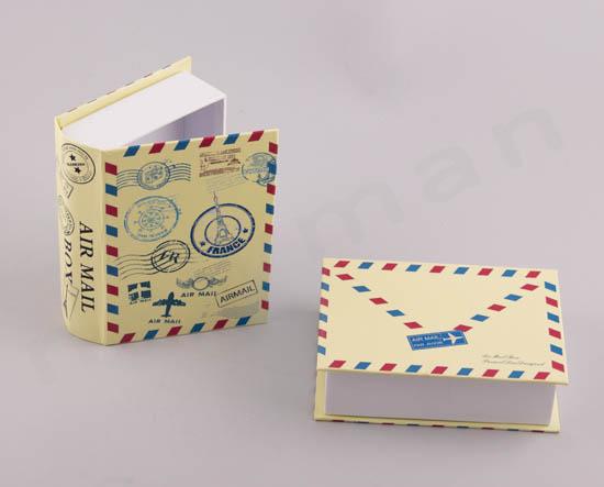 Κουτί Βιβλίο γράμμα με γραμματόσημα