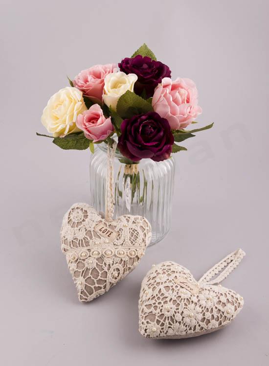 Λουλούδια με κωδικό 224029 & καρδιές διακοσμητικές