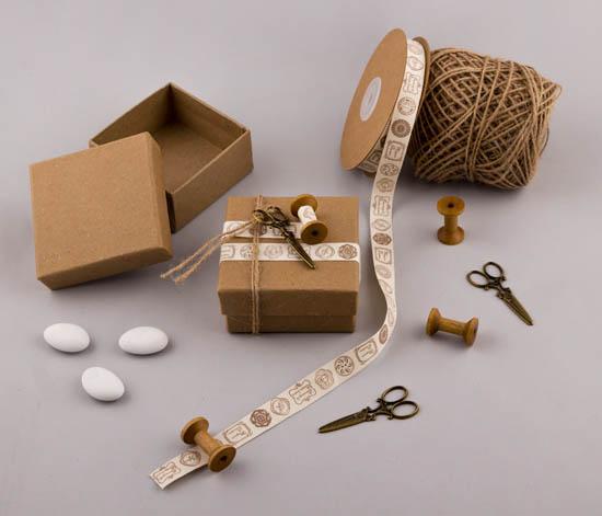 Υλικά για μπομπονιέρα σε οικολογικό κουτί