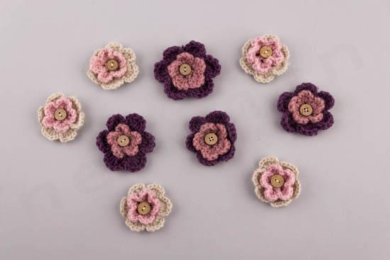 Διπλό λουλουδάκι πλεκτό