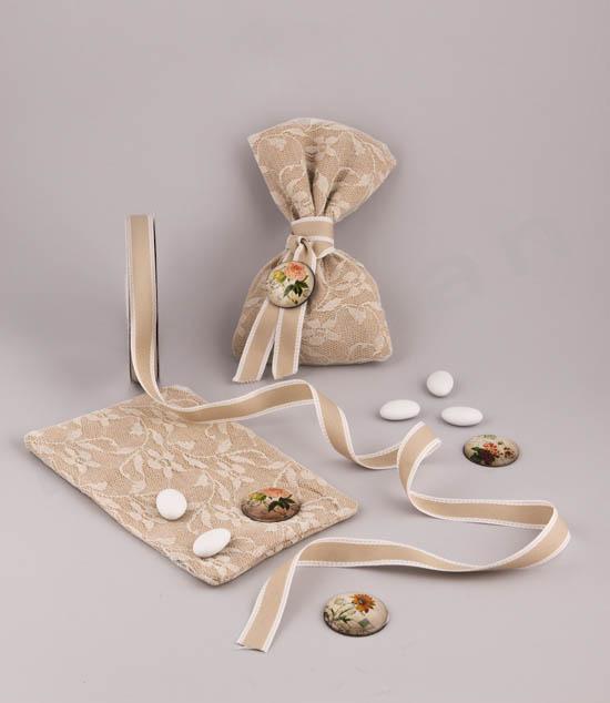 Φτιάχνω μπομπονιέρα σε πουγκί λινό-δαντέλα με μαγνητάκι λουλούδι