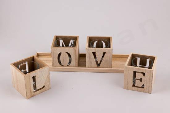 4 γράμματα LOVE
