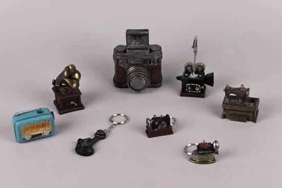 Vintage μινιατούρες συσκευές