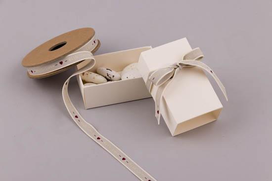 Μπομπονιέρα σε χάρτινο κουτί συρτάρι
