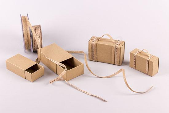 Φτιάξε μπομπονιέρες βαλίτσες με υλικά NewMan