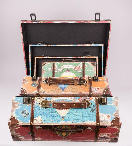 Βαλίτσες ξύλινα κουτιά