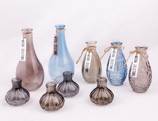 Χρωματιστά γυάλινα βάζα & βαζάκια