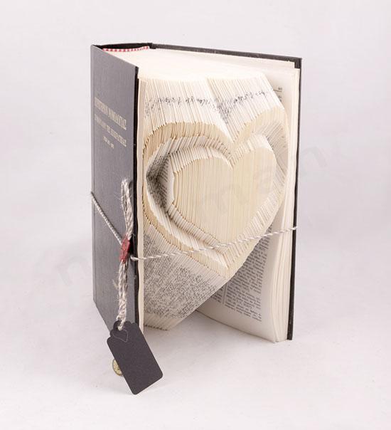 Χειροποίητο βιβλίο με σχέδιο Καρδιά στις σελίδες του