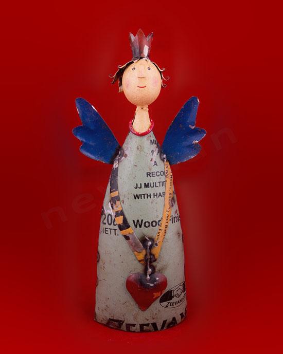 018007 Άγγελος με καρδιά & μπλε φτερά