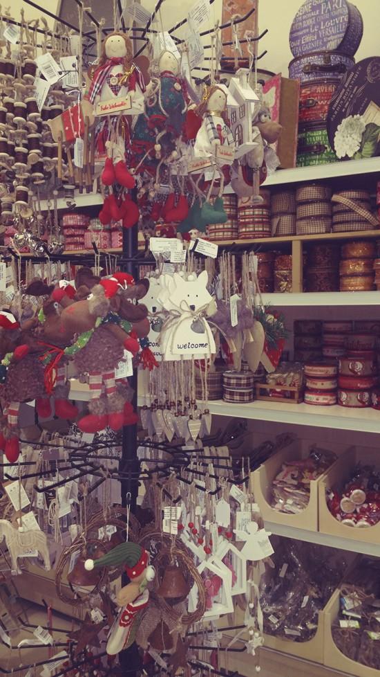 Χριστουγεννιατικα στολίδια & κορδέλες