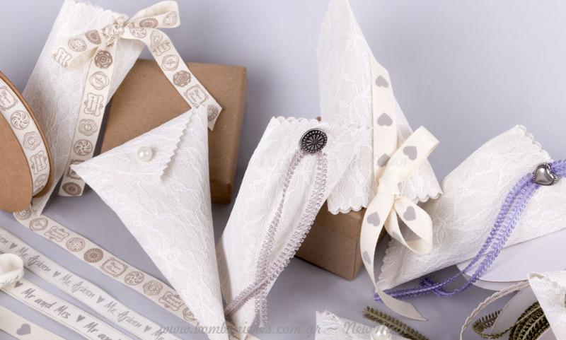 DIY διακοσμητικά κουμπιά και κορδέλες για στολοισμό μπομπονιέρας