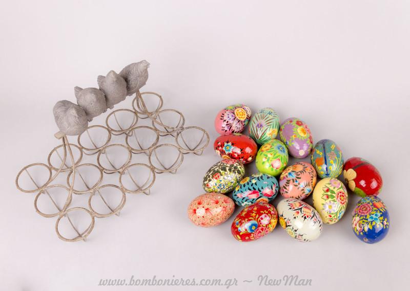Αυγοθήκη μεταλλική & αυγουλάκια στολισμένα ξύλινα