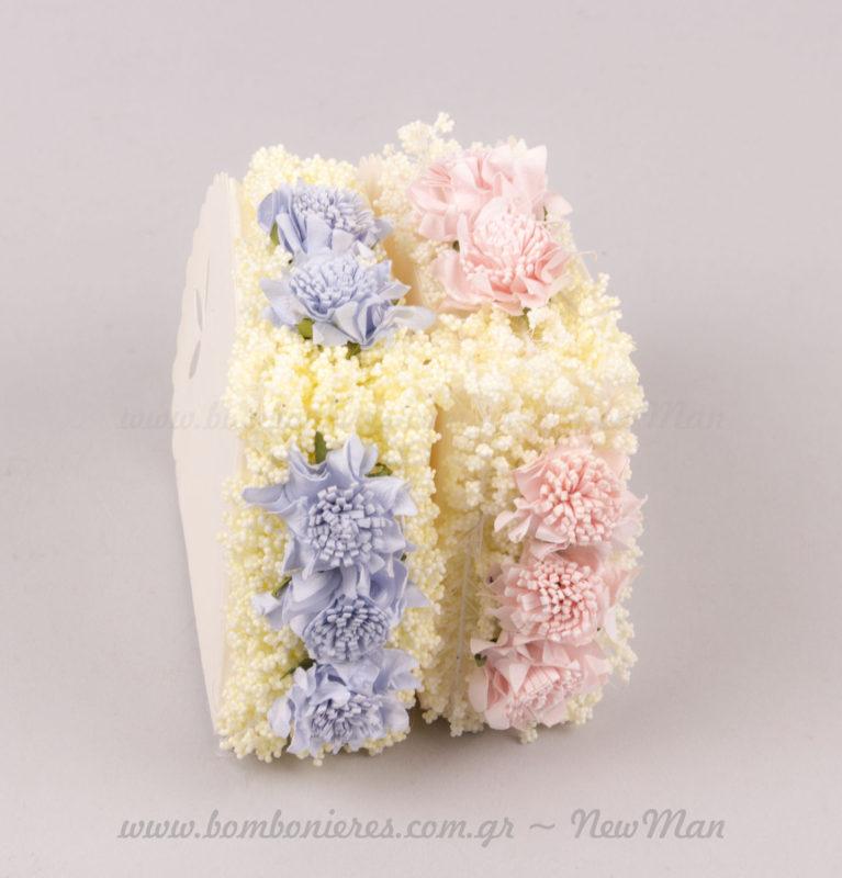 Τούρτα μπομπονιέρα με λουλούδια