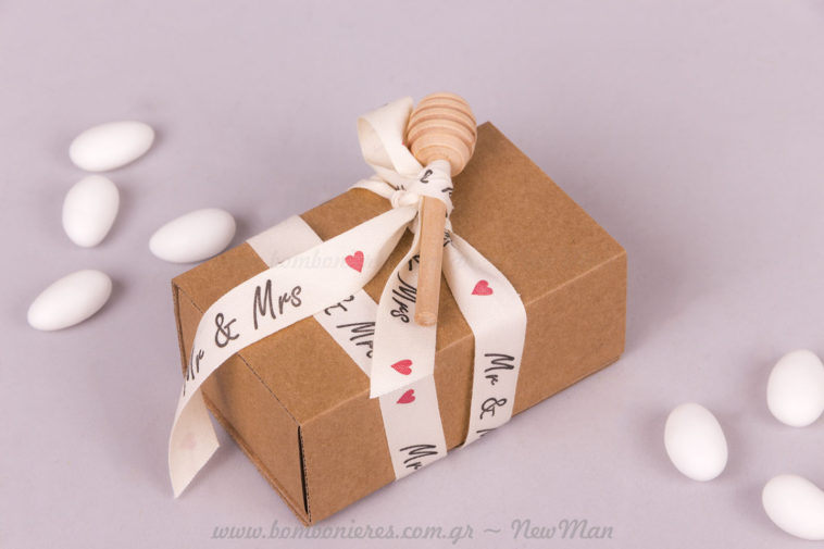 Μπομπονιέρα Mr & Mrs μέλι