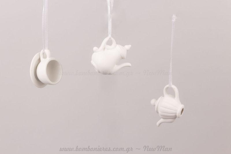 Σετ τσαγιού μινιατούρες από λευκή πορσελάνη