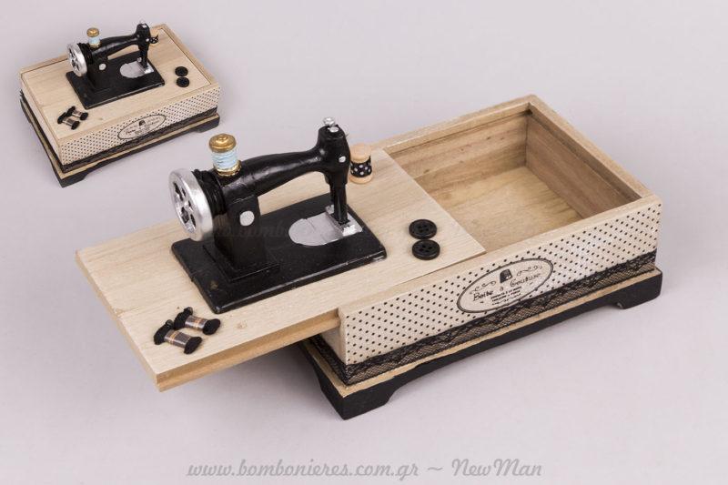 Κουτί ξύλινο ραπτομηχανής