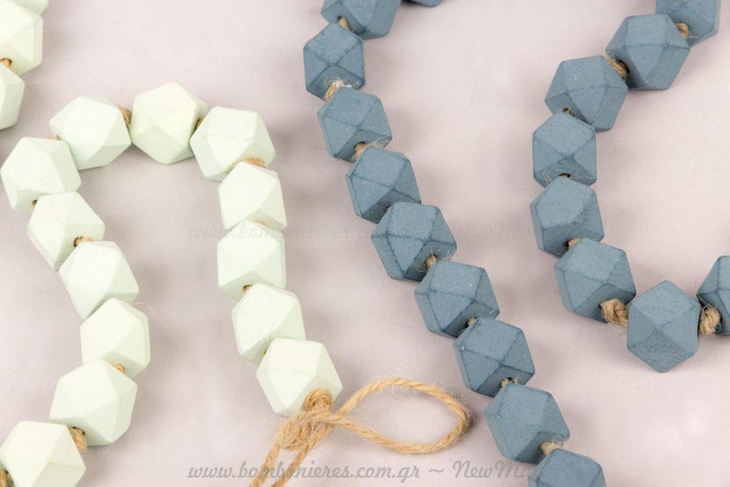 Γιρλάντες με φιστικί και μπλε πέτρες