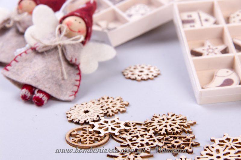 ξύλινα αντικείμενα για στολισμούς