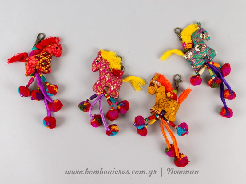 mprelok floral alogakia koudounakia pompom lampades