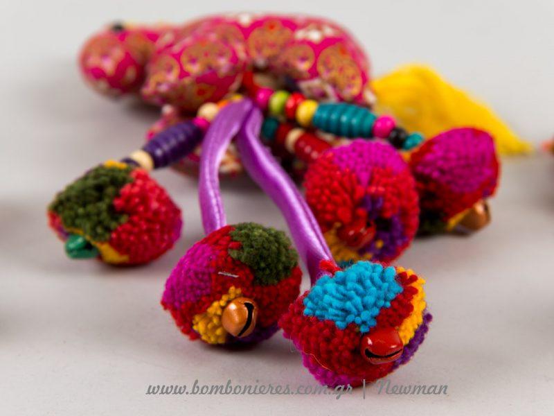 mprelok floral zoakia koudounakia pompom lampades