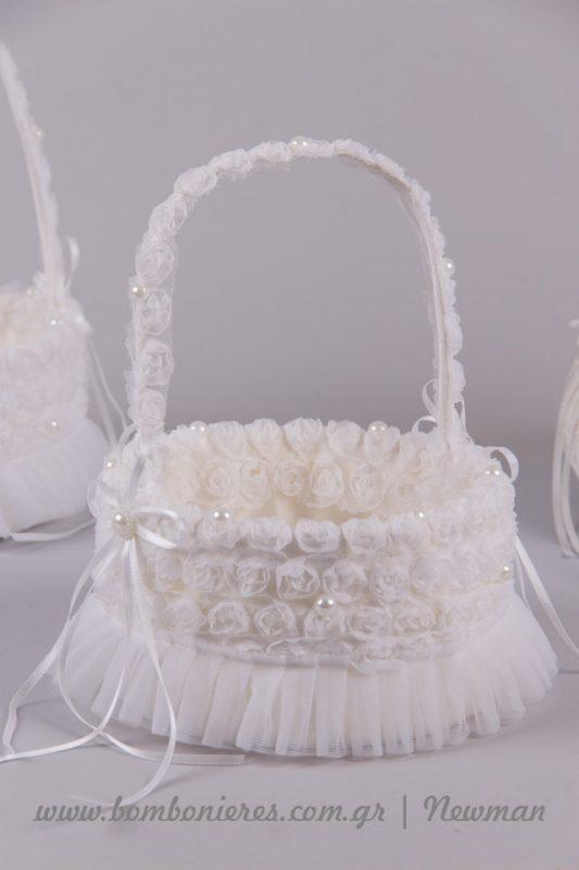 Καλαθάκια σε στρογγυλό σχήμα με υφασμάτινα λουλουδάκια