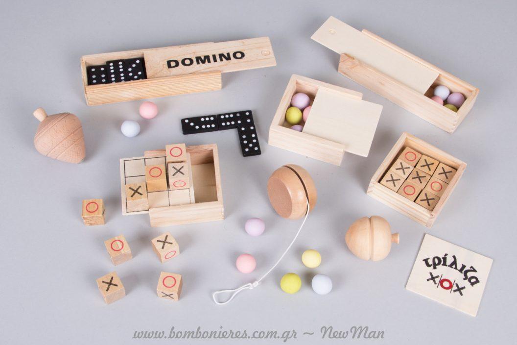 Μπομπονιέρα βάπτισης με ξύλινα οικολογικά παιχνίδια