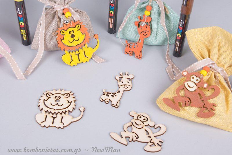 Ξύλινα κρεμαστά διακοσμητικά ζωάκια (μαϊμού, ελεφαντάκι, λιοντάρι, καμηλοπάρδαλη), ζωγραφισμένα στο χέρι.