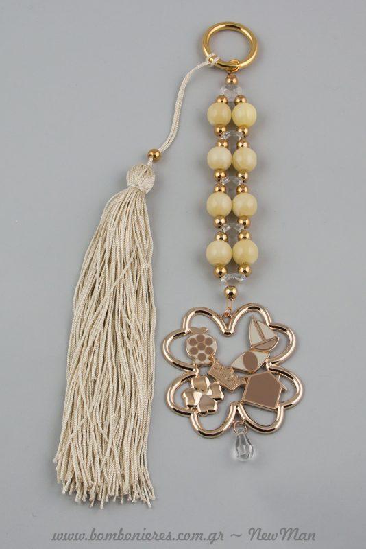 Γούρι τετράφυλλο-τριφύλλι με σμάλτο και κορδόνι-φούντα σε κρεμ αποχρώσεις (737010)
