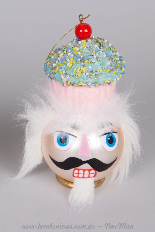 Γυάλινη μπάλα (κεφάλι Καρυοθραύστη) σε λευκό χρώμα