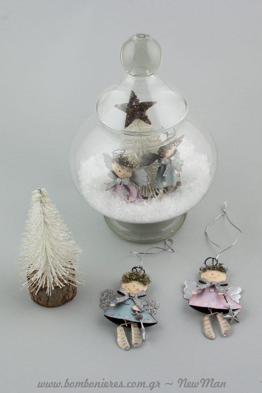 Τα μεταλλικά αγγελάκια σε ροζ ή μπλε είναι σούπερ χαριτωμένα με πανέμορφες λεπτομέρειες (σγουρά μαλλιά, κασκόλ φιογκάκι κα.)