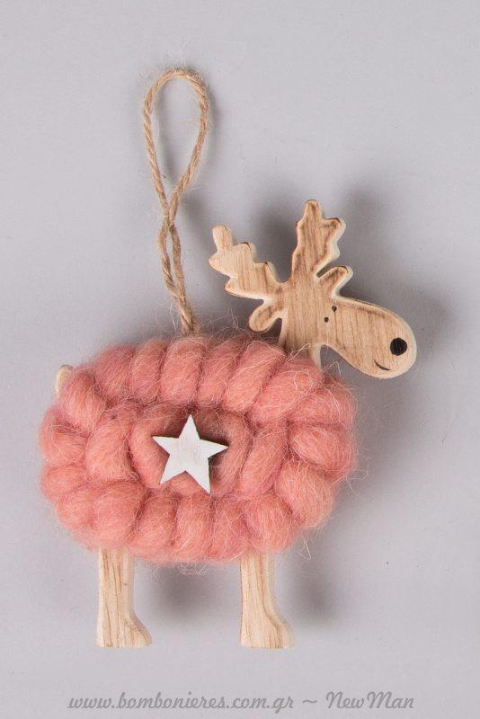 Ξυλο-μάλλινο ροζ ελαφάκι για το χριστουγεννιάτικο δέντρο ή την μπομπονιέρα της βάπτισης.