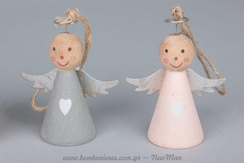 Κρεμαστά αγγελάκια σε κωνικό σχήμα (ροζ-γκρι) με καρδούλες.