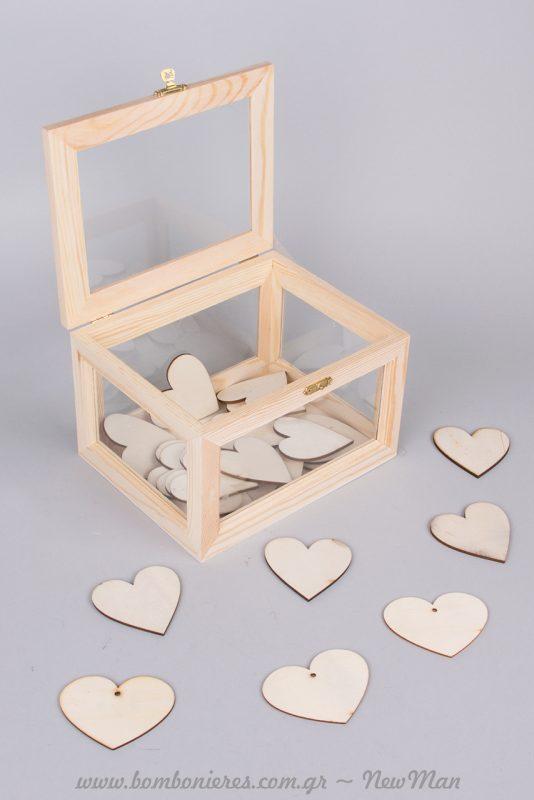 Ξύλινο κουτί ευχών με τζάμι (19 x 15 x 12cm) και ξύλινες καρδιές για ένα πανέμορφο ευχολόγιο που θα ξεχωρίσει.