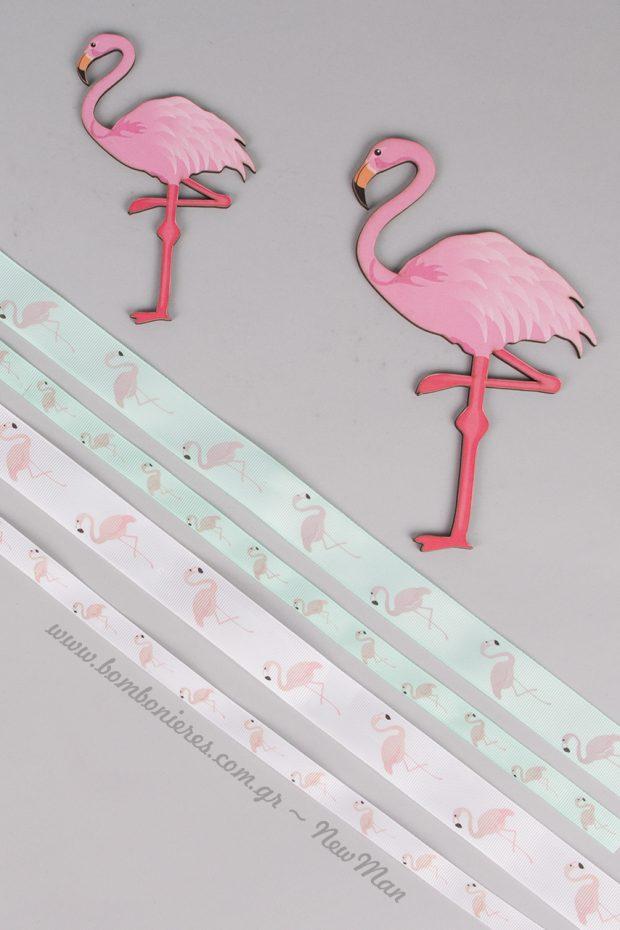 Ξύλινο διακοσμητικό φλαμίνγκο (13 ή 18cm) σε ροζ χρώμα για το στολισμό της λαμπάδας ή της μπομπονιέρας.