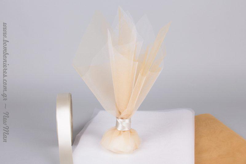 Χρυσή λάμψη και κρυσταλιζέ γυαλάδα για την μπομπονιέρα του γάμου σας.