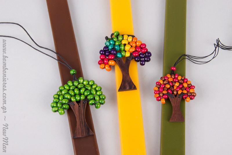 Τα ιδιαίτερα αυτά κολιέ συνδυάζονται ιδανικά με πλακέ κεριά σε ό,τι χρώμα κι αν επιλέξετε.