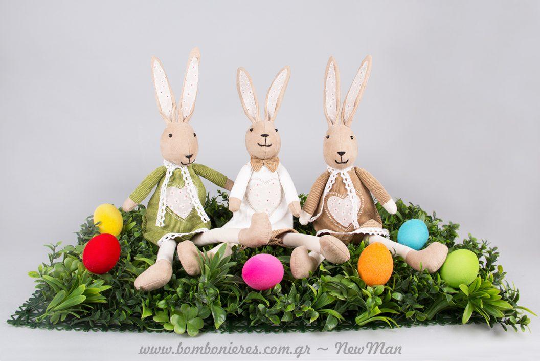 Λαγουδάκια και βελούδινα πασχαλινά αβγά για μια διακόσμηση που θα ξεχωρίσει.
