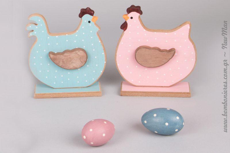 Σε ροζ ή γαλάζιο τα πουά ξύλινα διακοσμητικά (κοτούλες + αβγά) θα κλέψουν καρδιές.