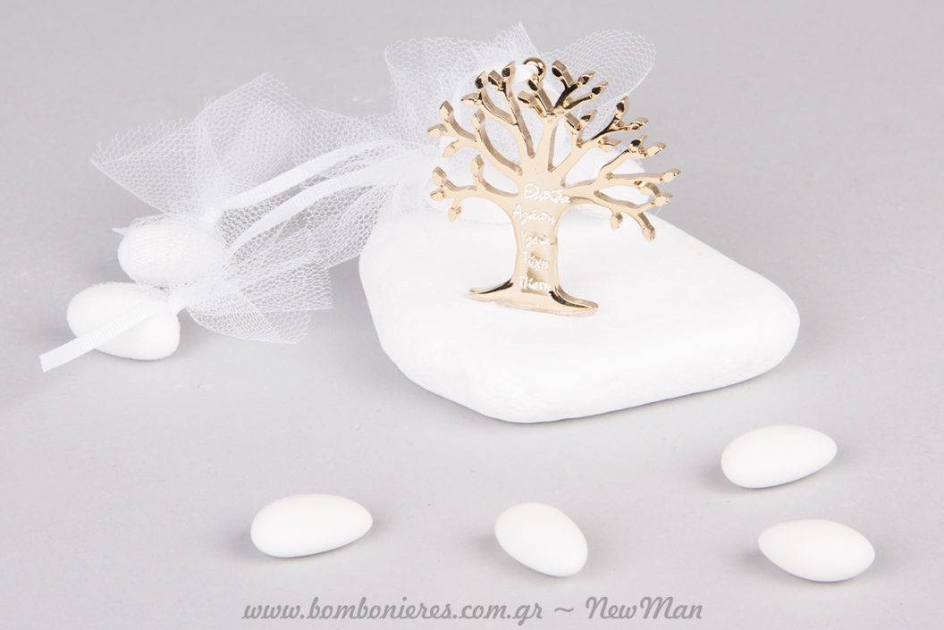 Μπομπονιέρα με μεταλλικό Δέντρο της Ζωής πάνω σε πέτρα (μάρμαρο Θάσου).
