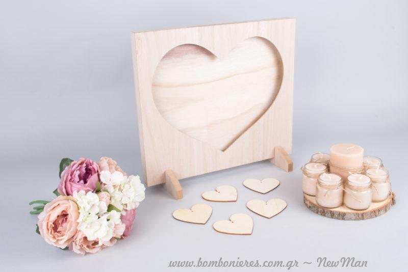 Ξύλινο Βιβλίο Ευχών, ροδέλες ξύλου με κεριά και διακοσμητικό μπουκέτο λουλουδιών (παιωνίες & ορτανσίες).