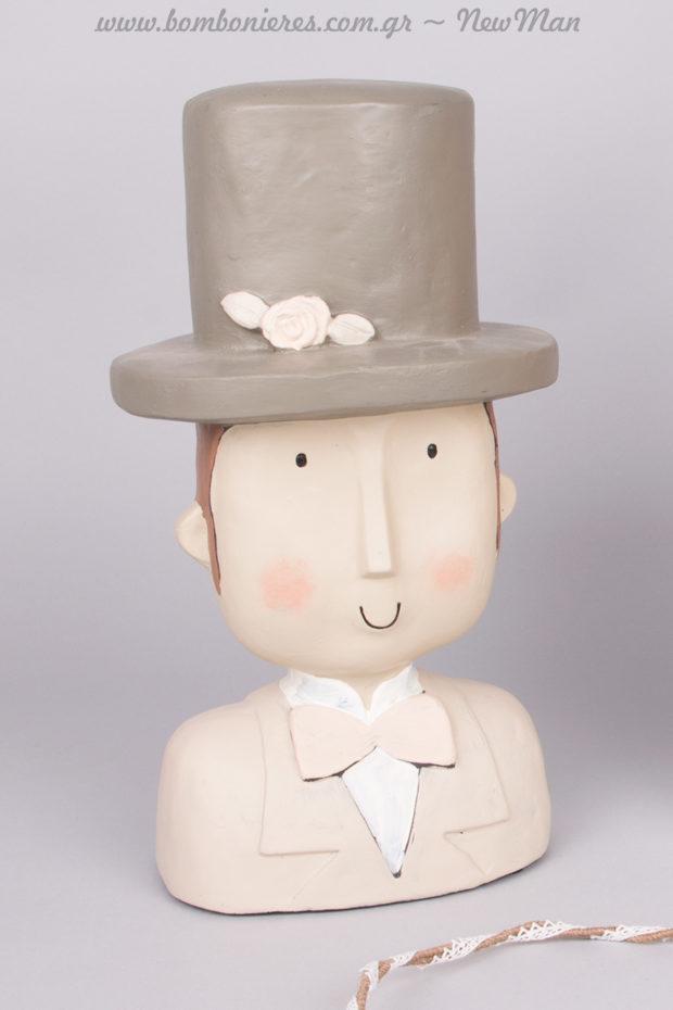 Γαμπρός με ημίψηλο καπέλο και παπιγιόν (διακοσμητικός) 14 x 10 x 30cm.