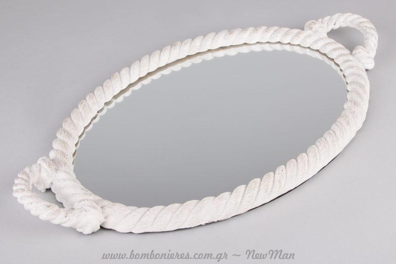Οβάλ καθρέφτης/δίσκος με κορνίζα από σχοινί σε λευκή απόχρωση.
