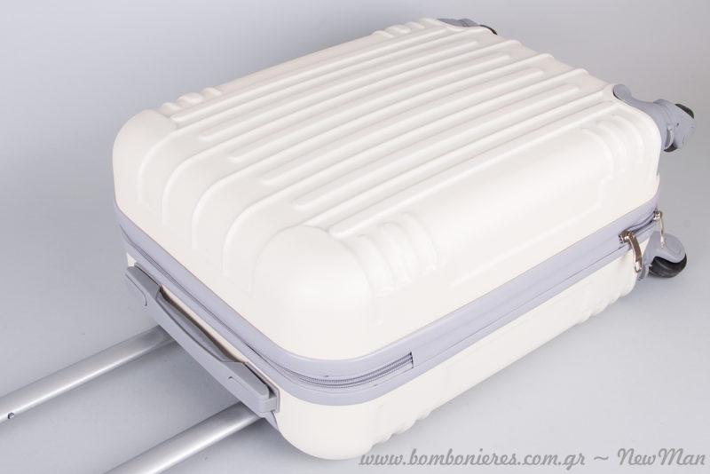 Βαλίτσα Dielle σε γκρι-μπεζ απόχρωση (μέγεθος καμπίνας) κι ετοιμαστείτε για τις πιο γλυκιές καλοκαιρινές εξορμήσεις.